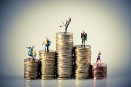 Travail pour tous ou revenu universel ?