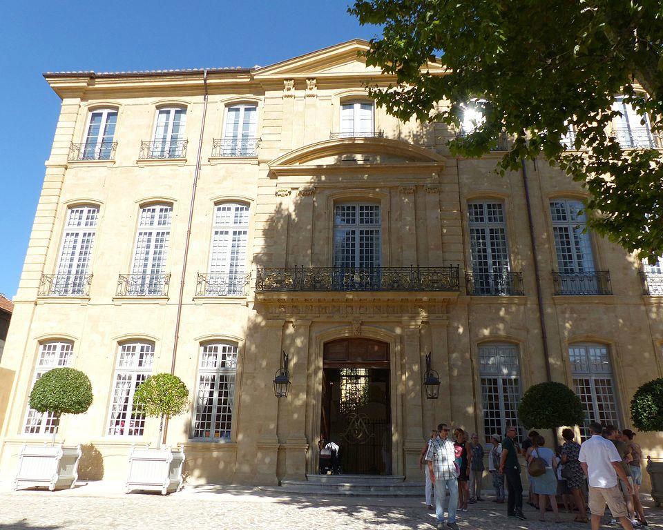 Hôtel de Caumont Finoskov/Wikimedia Commons