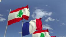 Drapeaux du Liban et de la France