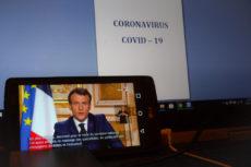 Discours d'Emmanuel Macron depuis un téléphone portable