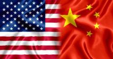 Drapeaux de la Chine et des Etats-Unis