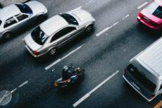 Motard sur la route