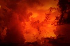 Nuage de fumée orange
