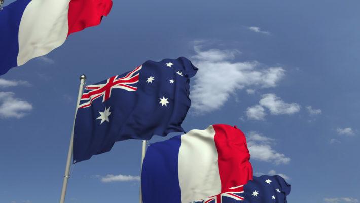 Drapeaux français et australien